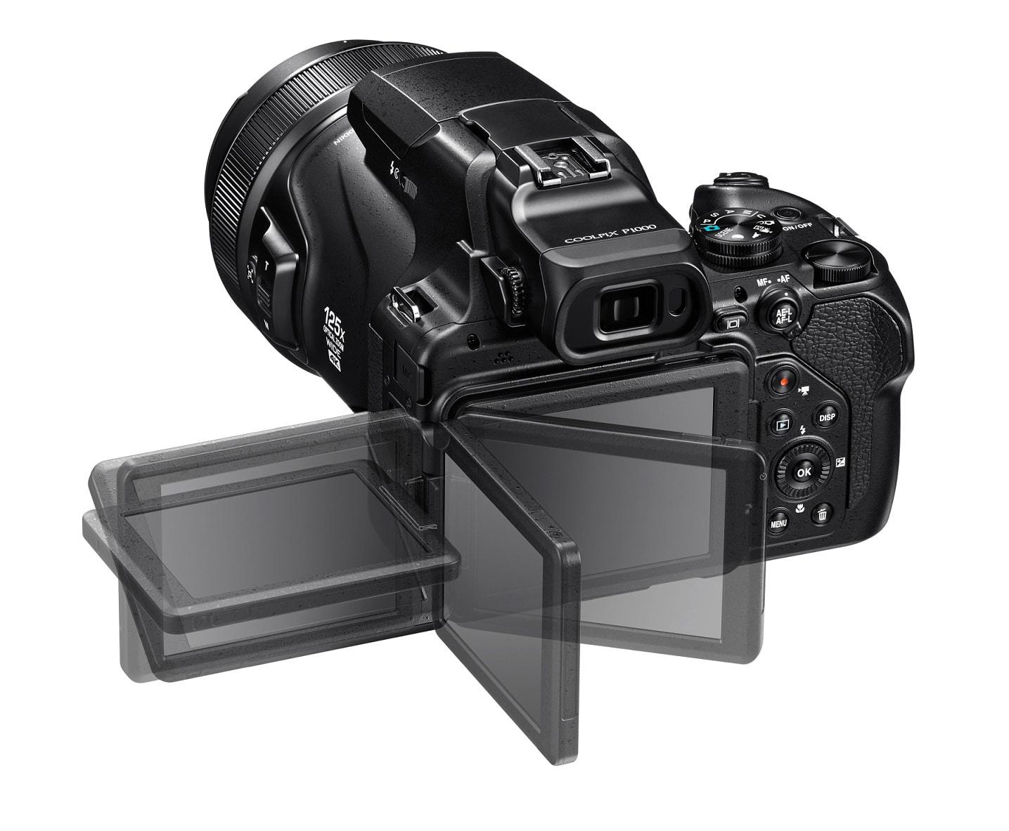Nikon Coolpix P1000 - Il mirino orientabile.