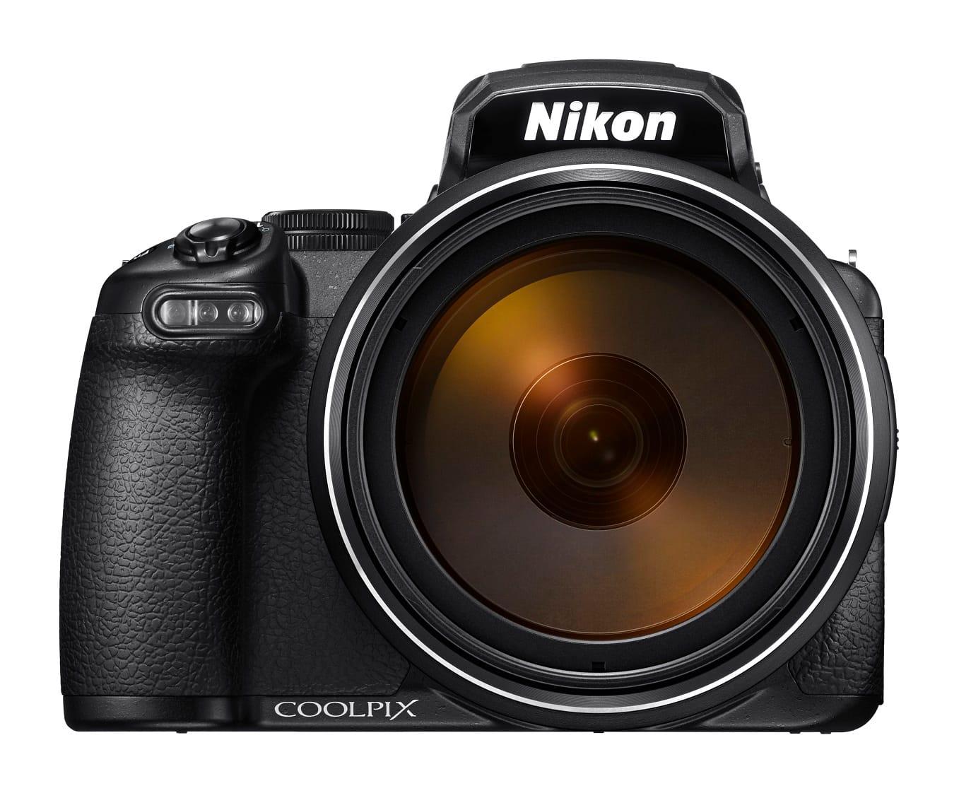 Nikon Coolpix P1000 - Da notare le dimensioni della lente frontale.