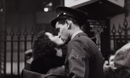 Penn _Station_kiss