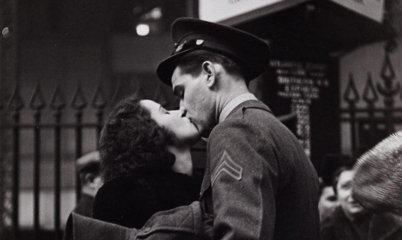 Penn _Station_kiss